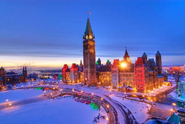 Поехать в Канаду