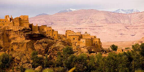 поехать в Марокко