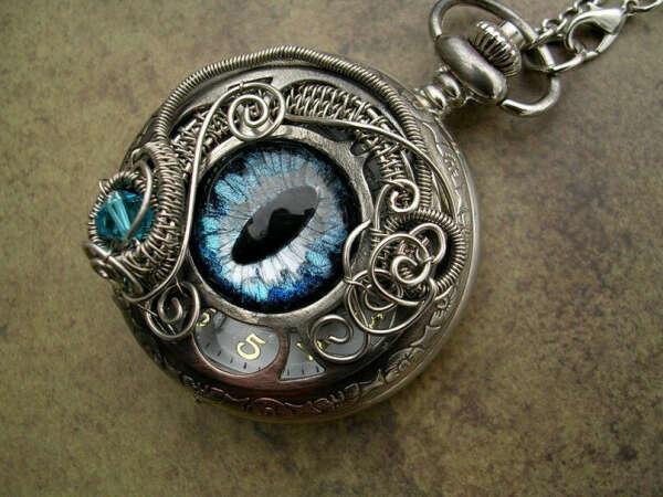 Часы с глазом.. в стиле стимпанк^^
