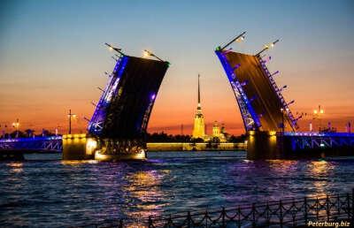 Поехать в Санкт-Петербург