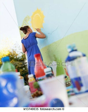 Расписать стены