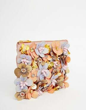 Клатч с цветочной отделкой и бисером