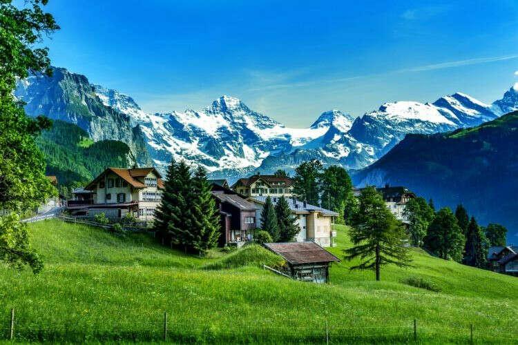 Поехать в Швейцарию (Церн + красоты природы)