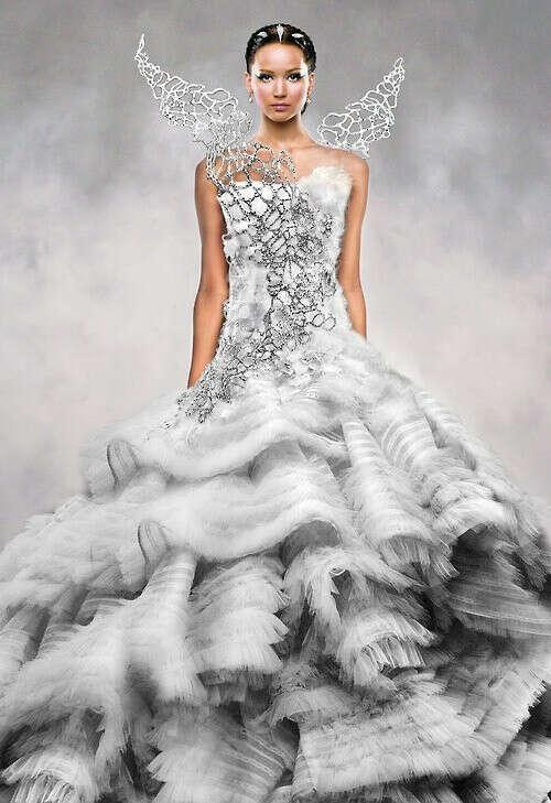 """Свадебное платье как у Китнисс Эвердин из фильма """"Голодные Игры. И вспыхнет пламя""""."""
