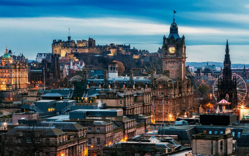 Выпить виски в Эдинбурге