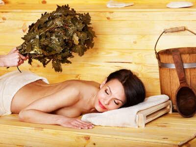 Попариться в бане с веничком
