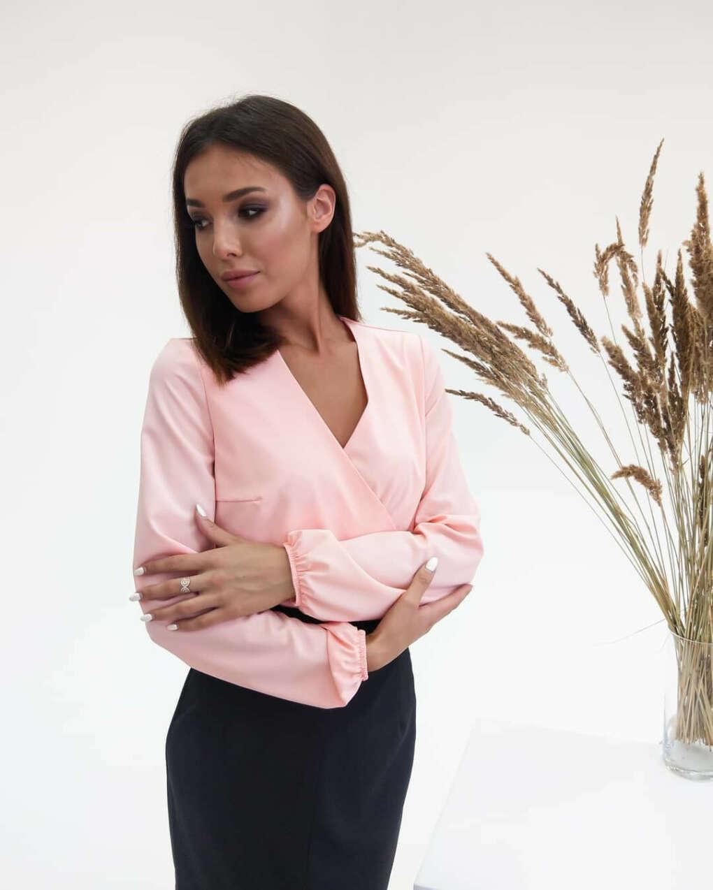 """Женская одежда Impulse on Instagram: """"Элегантная блуза на запах, в нежно-розовом оттенке и юбка длины миди в тонкую полоску. ⠀ ➡Ткань: юбка - трикотаж Джерси, блуза - ниагара…"""""""