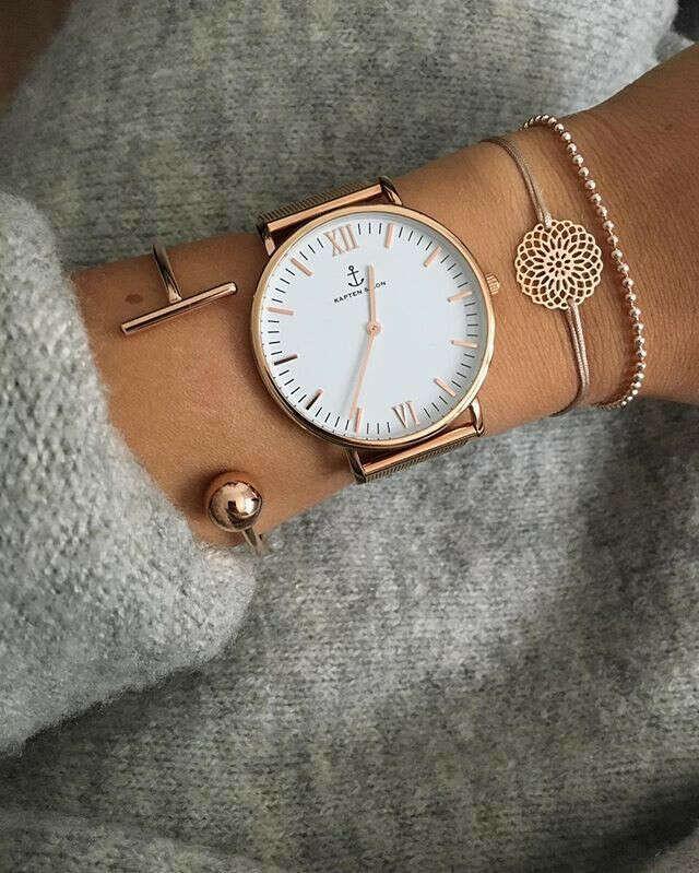 большие наручные часы