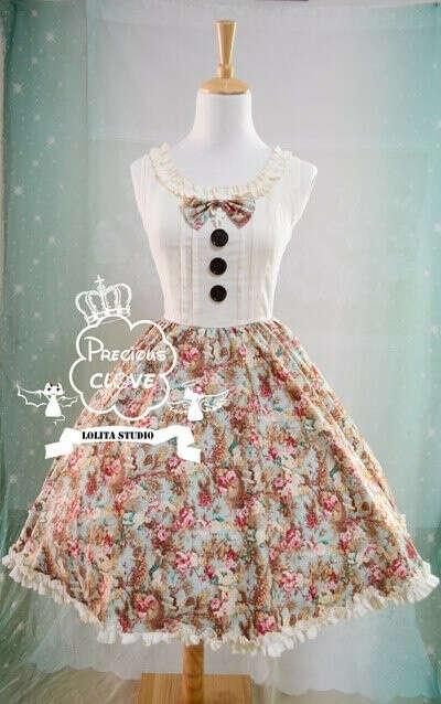 платье в стиле лолиты строгое