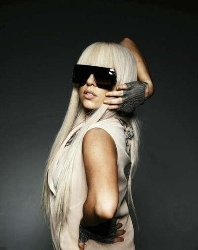 Хочу взять автограф и интервью у Lady Gaga!
