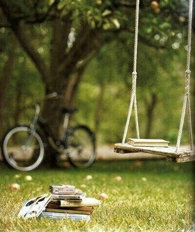 Хочу свой дом и качели во дворе)