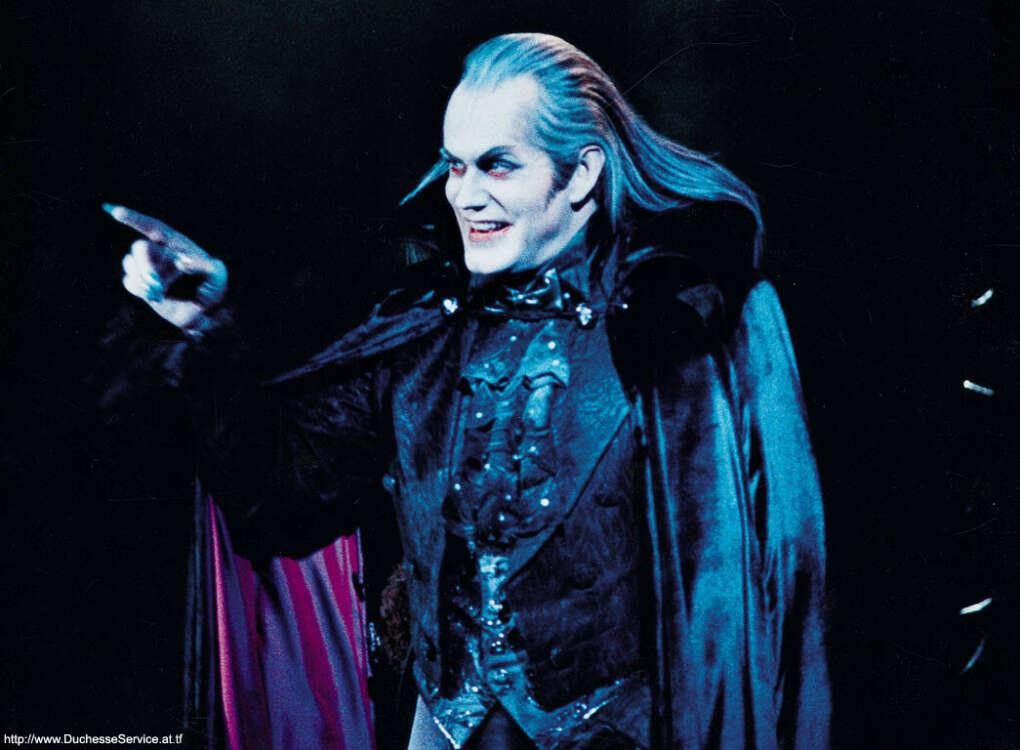 "Посмотреть мюзикл ""Tanz der Vampire"""