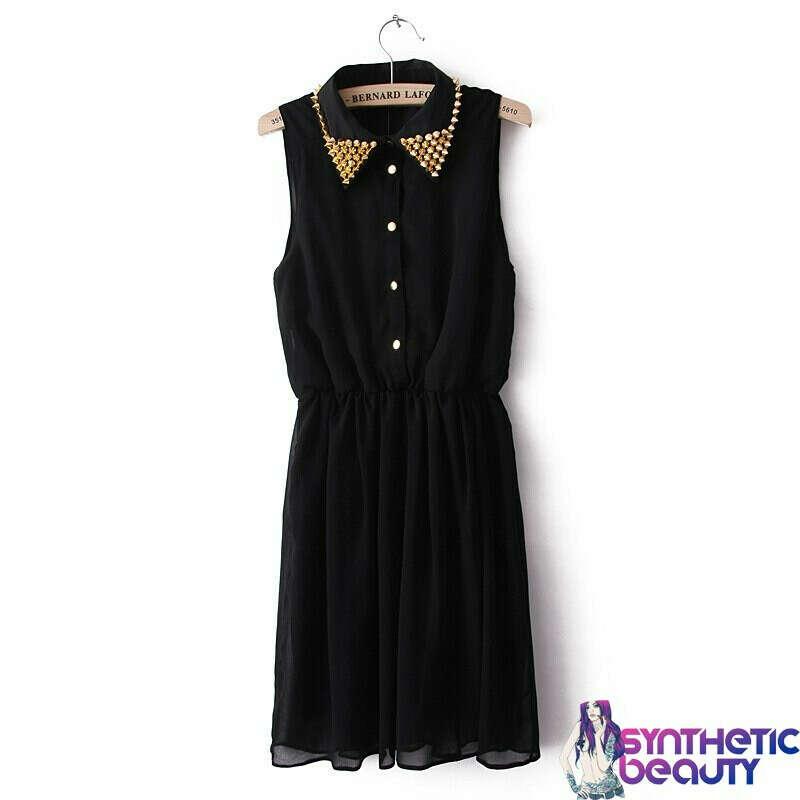 Шифоновое платье с шипами на воротнике